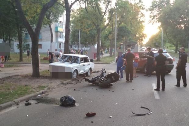 В Харькове два байкера разбились об Nissan