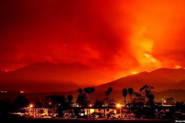 Режим чрезвычайной ситуации ввел Дональд Трамп из-за пожаров вКалифорнии