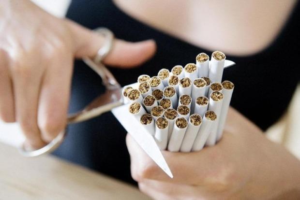 Поднимать налоги на сигареты, или на пенсии и инвестиции?