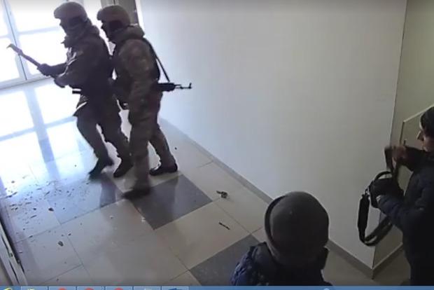 В сети скандал. Кордовцы начинают обыск с воплями Дверь, бл...ть!