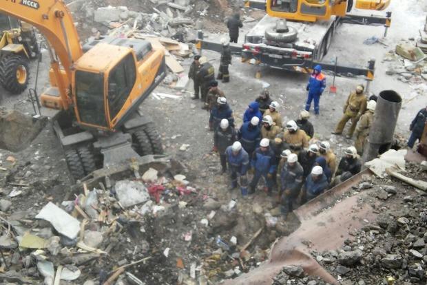 В Казахстане произошел обвал многоэтажного дома, погибли 9 человек