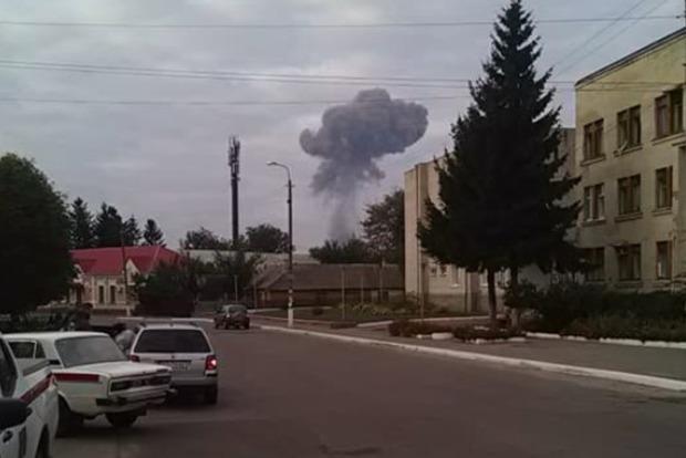На складах боеприпасов в Калиновке еще раздаются взрывы