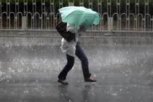 Синоптики объявили штормовое предупреждение