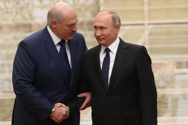Як Лукашенко, принижуючись, канючив у Путіна дешевий газ