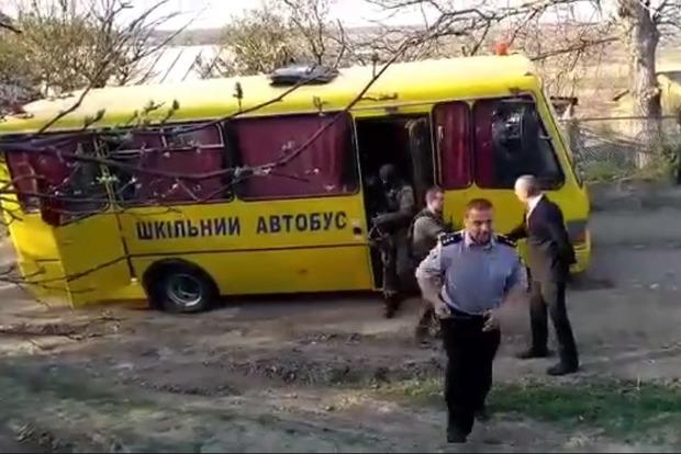 КОРД ездит на штурм на школьном автобусе из-за нехватки транспорта