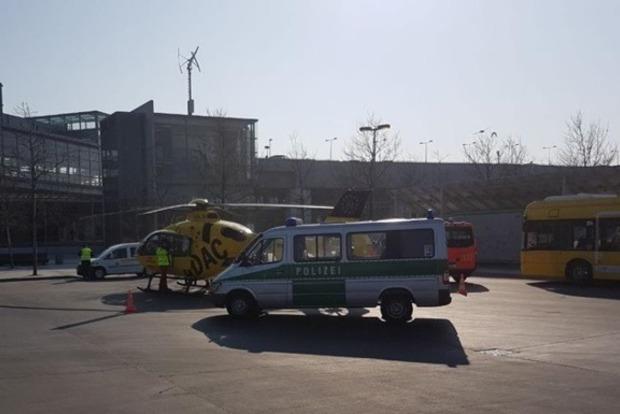 Автобус протаранил вертолет в Берлине