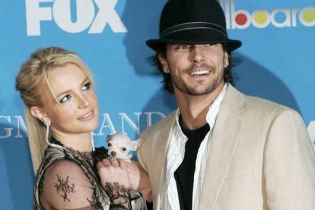 Экс-супруг Бритни Спирс требует от певицы повысить сумму алиментов