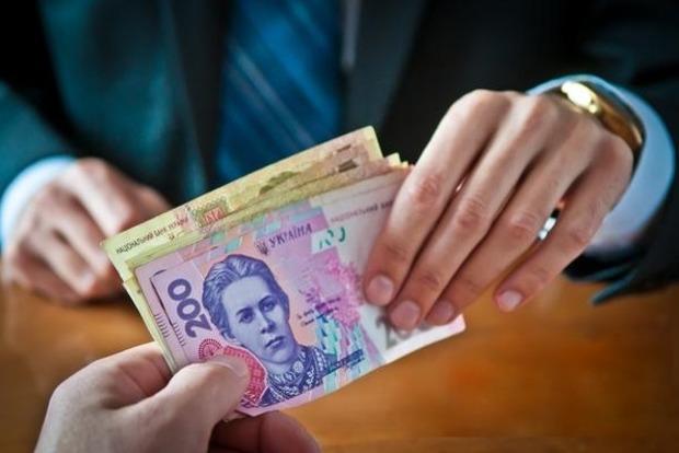 СБУ разоблачила чиновника, который присваивал школьные деньги