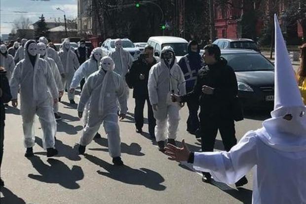 Как прошел первый день карантинных ограничений в столице. Видео протеста