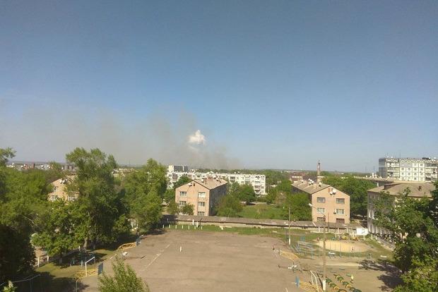 Пожар в Балаклее локализован, но взрывы все еще слышны