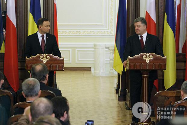 Раскачался: на третий год президентства Порошенко стал более активным и общительным