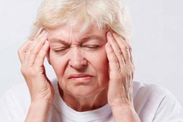 Подозрительность, агрессия, нарушение сна: как можно распознать старческое слабоумие