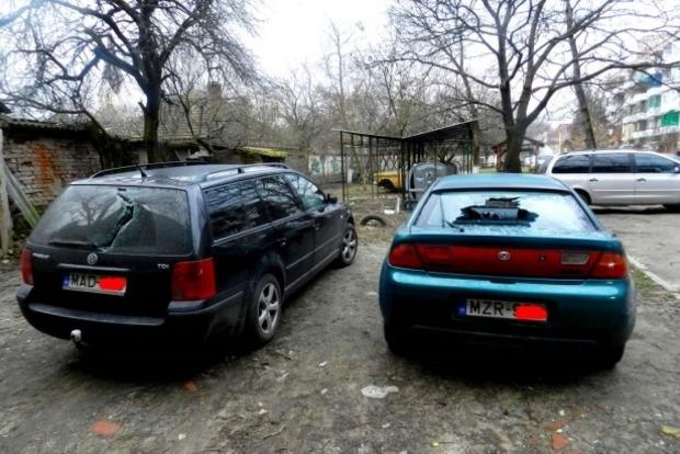На Закарпатье начали крушить автомобили с венгерскими номерами