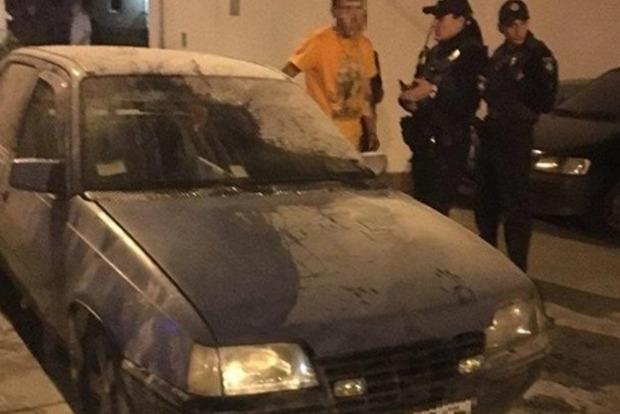 У Вінниці двох поліцейських побили за допомогу в гасінні пожежі