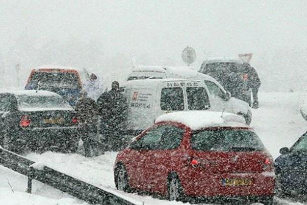 На юг Франции обрушился снегопад. Яркое видео