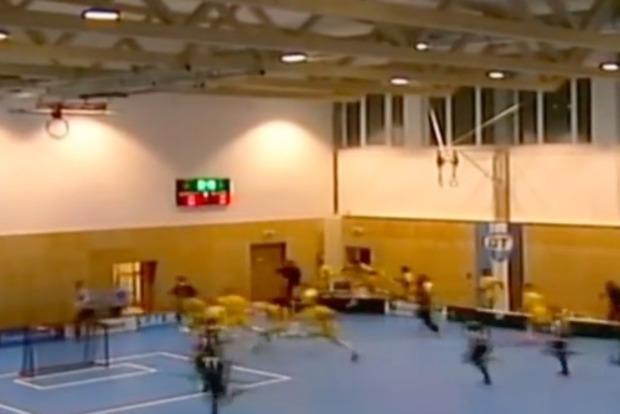 В Чехии на 80 юных спортсменов обрушилась крыша