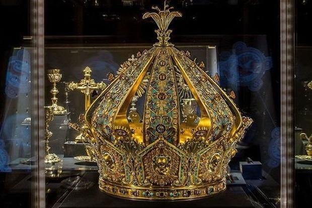 Из французского музея похитили корону за миллион евро
