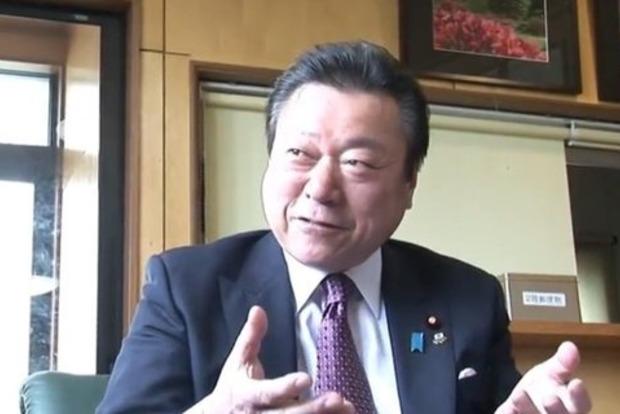 Парадокс дня: Министр кибербезопасности Японии не умеет пользоваться компьютером