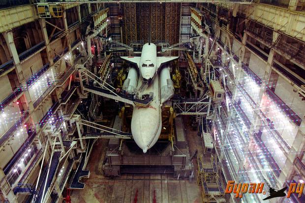 Как выглядит мертвая усыпальница советской космической программы «Энергия-Буран»