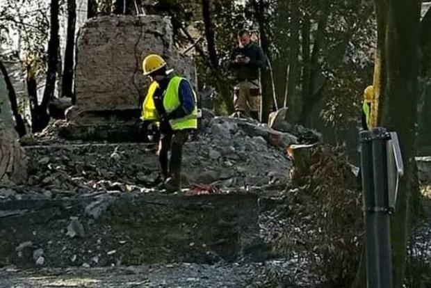 В Польше сносят памятник благодарности Советской армии