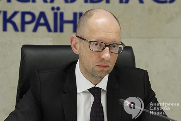 Яценюк поручил усилить контроль за перемещением российских самолетов  в Сирию
