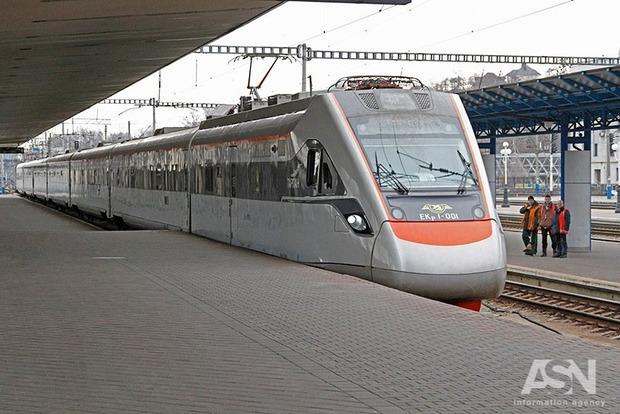 Укрзализныця запускает онлайн-продажу билетов на поезда в ЕС