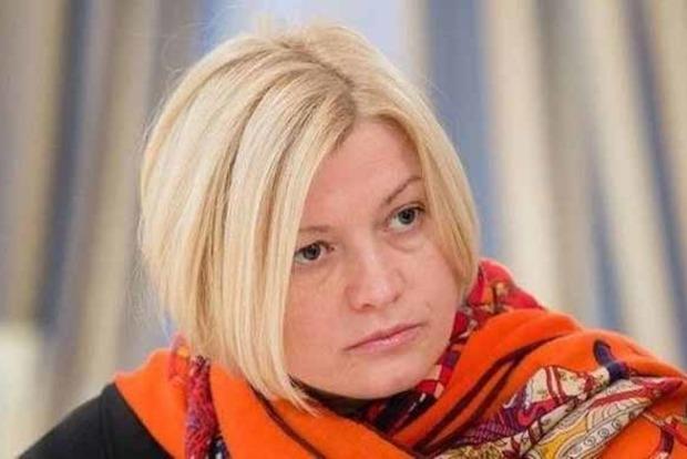 Геращенко: президент регулярно вмешивается вработу Рады иКабмина