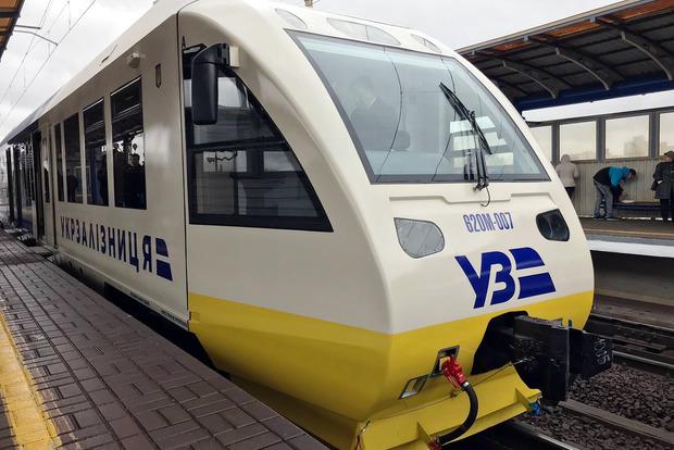 В Киеве запустили поезд с вокзала на аэропорт Борисполь
