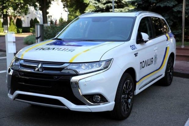 Аваков пообещал «расстрелять» полицейских, которые попадут в ДТП на новых Mitsubishi
