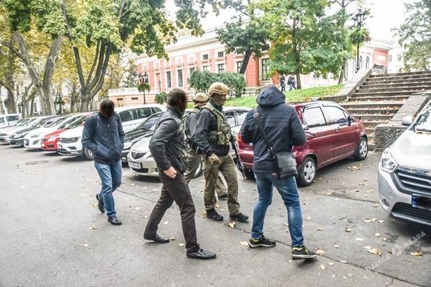 НАБУ и автоматчики покинули здание мэрии Одессы