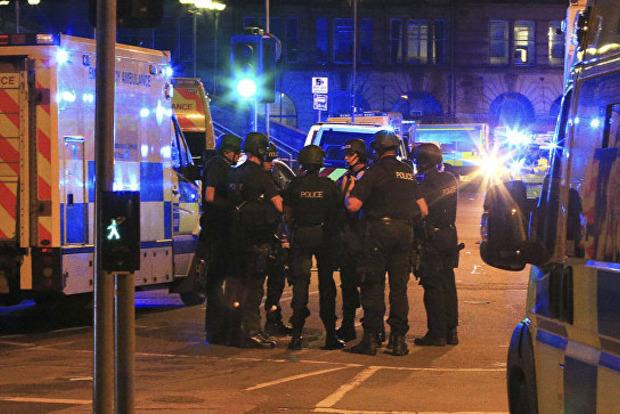 Елизавета II прокомментировала теракт в Манчестере, назвав его варварством