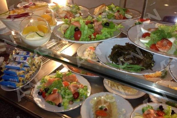 Чем кормят Раду в новом году: креветки и семга – для гурманов, свекла и тыква - для аскетов.