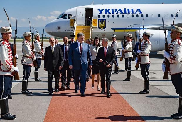 Около часа дня Порошенко выступит с заявлением для СМИ
