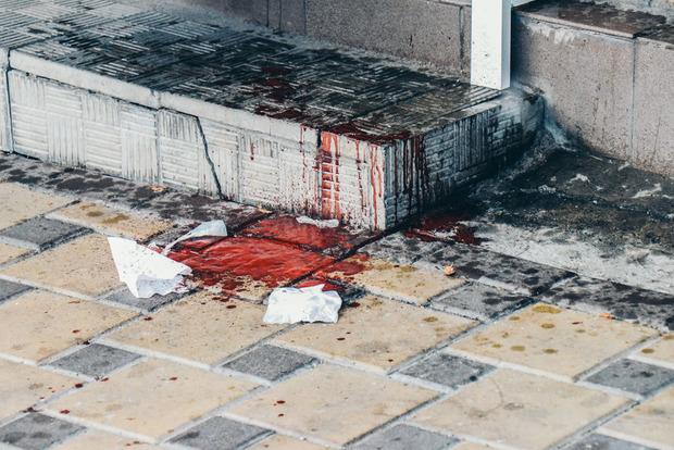 Продавец шаурмы в Киеве пырнул ножом покупателя