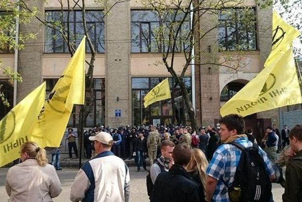 Харьковский форум экс-регионалов закончился масштабной потасовкой