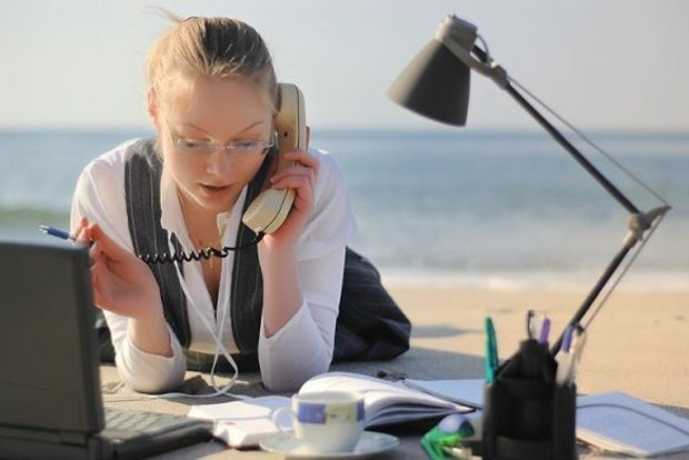 Цікаві сучасні прикмети на роботі: що обіцяє прибуток або провал