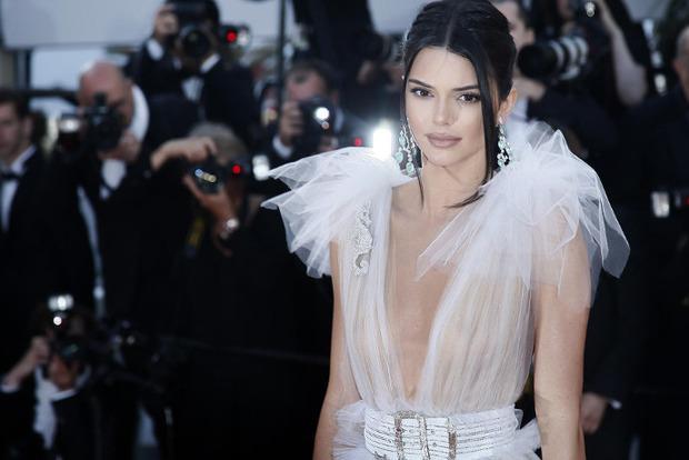 Довыпендривалась: Ким Кардашьян больше не самая популярная из сестер