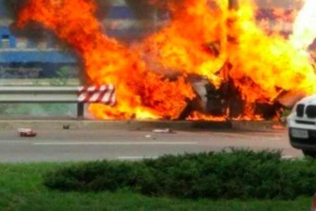 ДТП в Киеве закончилось мощным взрывом и пожаром