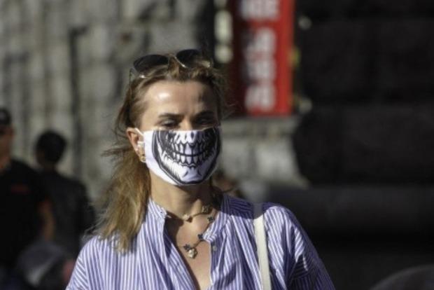 Ученые выдвинули теорию о том, что ношение масок увеличивает шансы болеть коронавирусом бессимптомно
