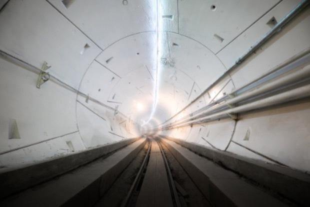 Не Омеляна гиперлуп. Илон Маск запускает скоростной тоннель