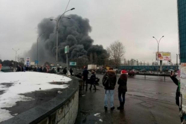В огне на рынке секонд-хенда погибла женщина