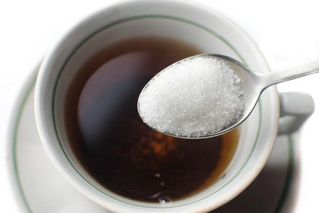 Всего три ложки сахара к вашему чаю увеличивают ваш риск этой смертельной болезни