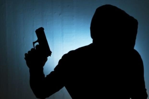 В Харькове мужчину ограбили на один миллион гривен