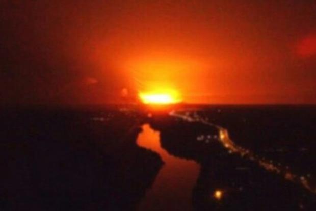 Взрывы боеприпасов в Калиновке: В радиусе 50 км от зоны возгорания закрыто воздушное пространство