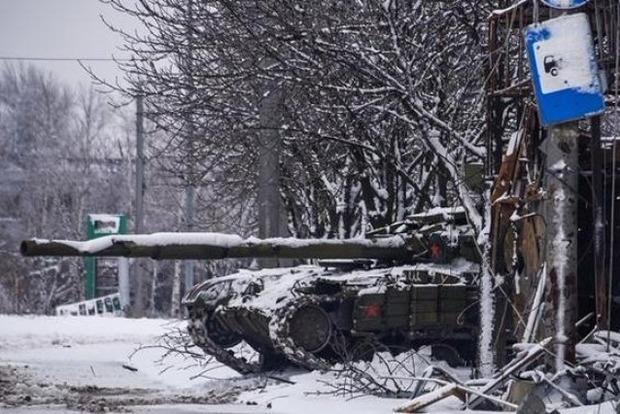 Сутки в ООС: 14 обстрелов и двое раненых военных