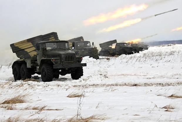 Боевики 63 раза обстреляли позиции ВСУ, двое украинских бойцов погибли