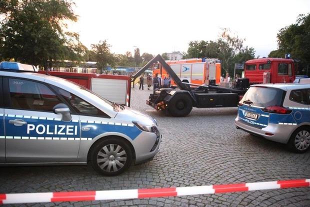 Немец под кайфом заехал на машине в подземку