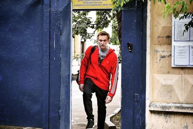 Ремонт, студентки и шашлык: Навальный рассказал, как в Москве подготовили СИЗО к приему иностранцев