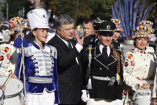 Марина Порошенко сняла выпуск новостей ко дню рождения мужа