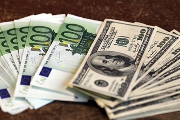 Объявление военного положения: как изменился курс доллара и евро